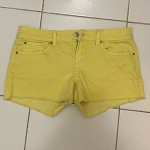 Women's gap yellow shorts